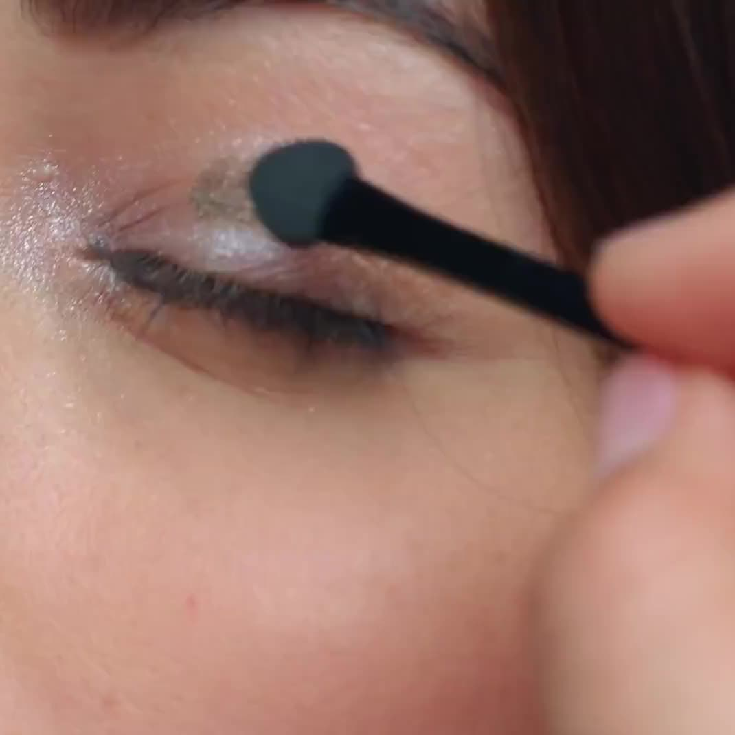 How To Smokey Eyes for Date Night   Maybelline New York