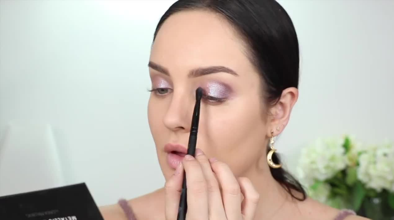 aec0d41f1e6 https://videos.makeup.com/me/holiday-makeup-grwm-where-have-i ...